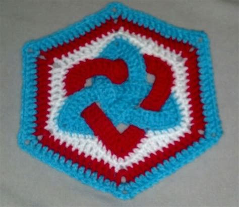 Knots Knitting On The Square - 1000 images about crochet celticknot on