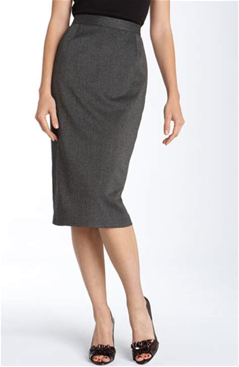 what to wear to work the pencil skirt redcarpetvictim