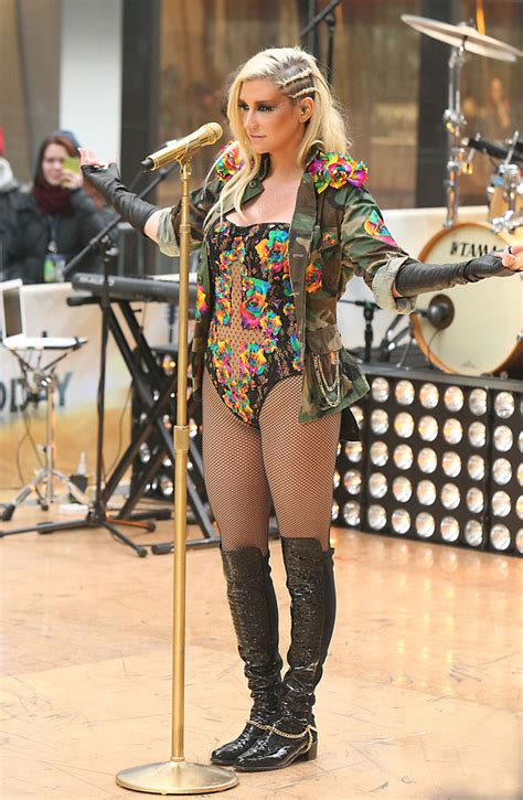 blondes on the today show kesha in kesha performs on the today show zimbio