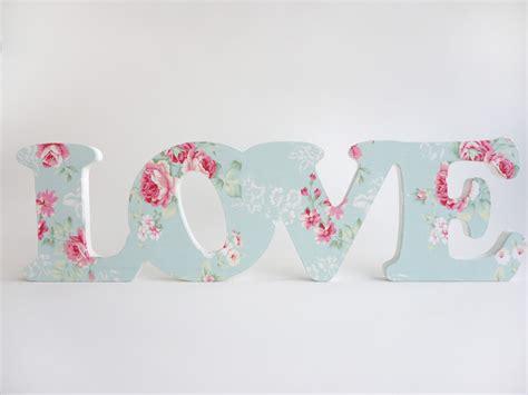 imagenes de love en letras letras decorativas g love quot rom 226 ntico quot donna flor elo7