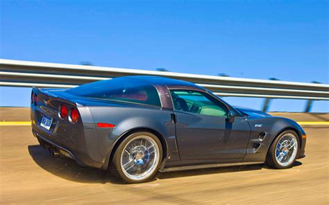 2009 chevrolet corvette zr1 first test 200 mph in the