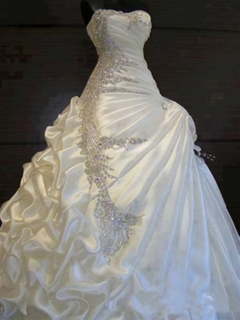 beadwork gown 1000 ideas about beaded wedding on