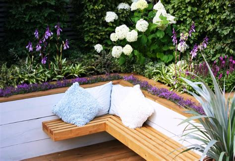 Backyard Swing Chair 15 Cozy And Comfy Garden Seating Ideas You Ll Love