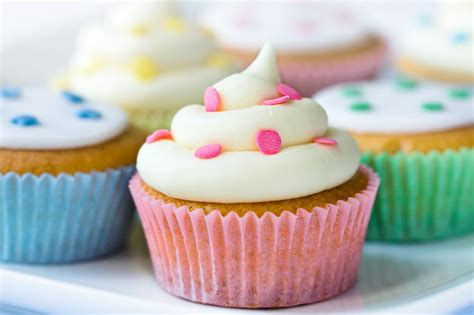 simple and easy baby shower cupcake ideas slideshow