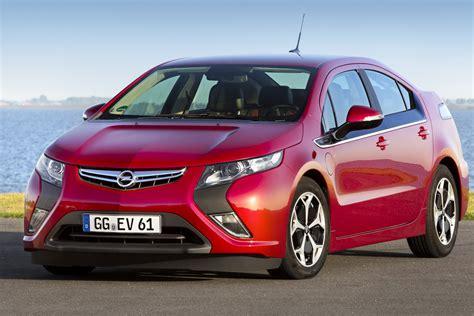 Opel Volt by Chevrolet Volt Opel Era Wins 2012 Car Of The Year