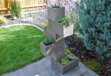 idea fiori blocchi di cemento fioriti 20 idee per decorare il