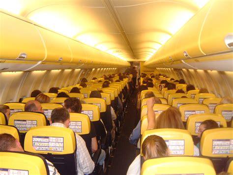 interno aereo ryanair ryanair s unscheduled landings broadsheet ie