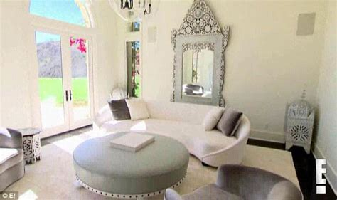 khloe s new house check out the moroccan accents in khloe kardashian s new