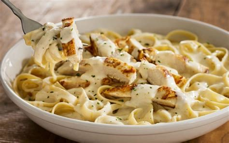 Many Olive Garden And Macaroni Grill Dishes Are 1 000 Calories Consumerist Stuff Yourself With All You Can Eat Pasta At Olive Garden Sun Sentinel