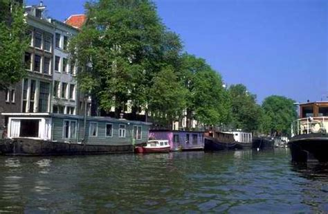 rent a house boat in amsterdam image gallery houseboat amsterdam rental