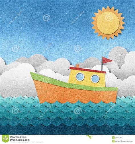 imagenes de barcos de material reciclado barco hecho del papel reciclado foto de archivo imagen