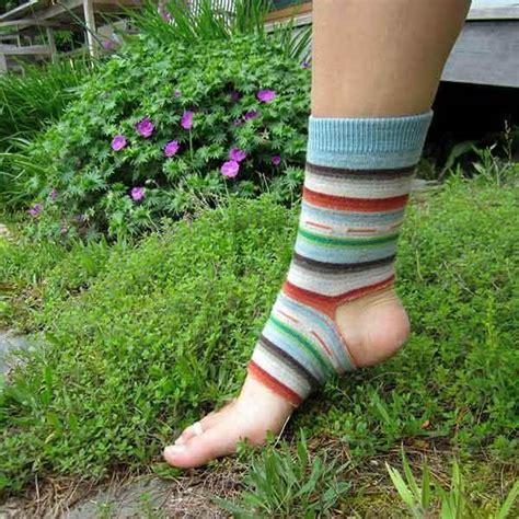 5 free crochet socks pattern diy and crafts