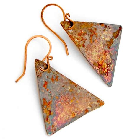 how to make hammered metal jewelry hammered metal earrings tutorial jewelry journal