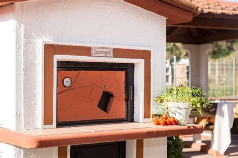 forni in muratura da giardino prezzi forno a legna da giardino in muratura a cottura indiretta