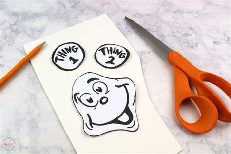 thing 1 and thing 2 card templates thing 1 thing 2 puppets dr seuss crafts free