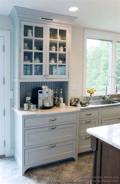 hutch style kitchen cabinets best 25 built in hutch ideas on built in