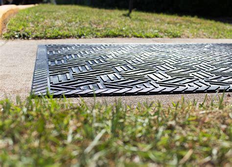 rubber mats for backyard superscrape drainable rubber outdoor entrance floor mat