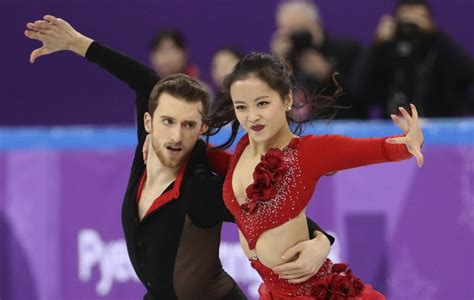 wardrobe malformation olympic olympic figure skater suffers embarrassing wardrobe