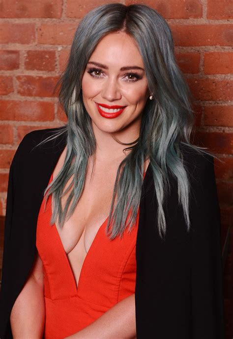 Hilary Duff Is A Techie by Hilary Duff S Divorce To Former Nhl Mike Comrie Is