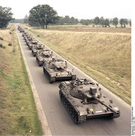 Lackieren Im Winter Draußen by 레오파드 1 전차의 엔진 그릴 함박스테이크 Leopard 1 Tank Engine Grill