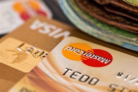 prelevare contanti in anticipo contante con carta di credito cos 232 e quanto