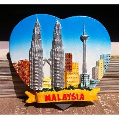 Pajangan Petronas Souvenirs Dari Malaysia souvenir resin fridge magnet petronas towers malaysia