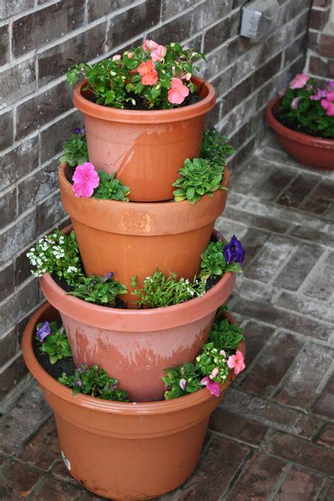 Tiered Flower Planters by Diy Tiered Flower Pot S Kitchen N Crafts