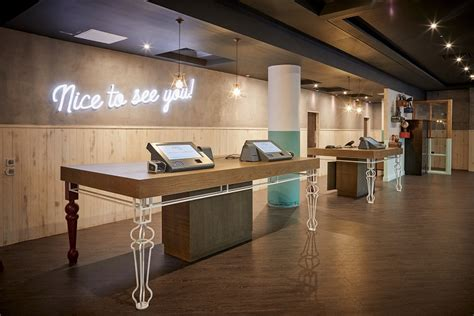 jurys inn manchester jurys inn manchester unveils 163 2 9 million new look