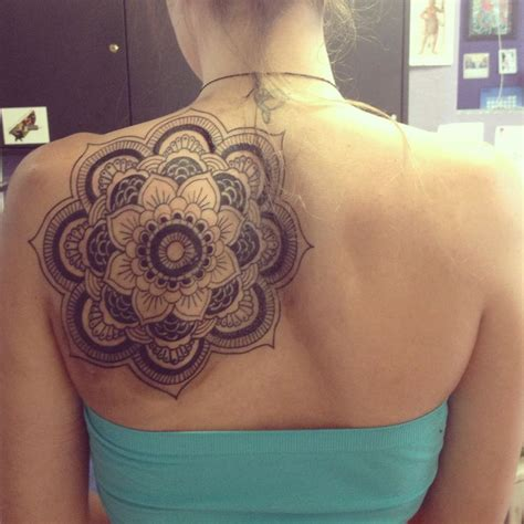 mandala tattoo location shoulder mandala tattoo body graffiti pinterest