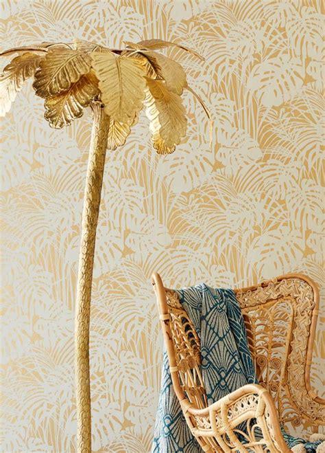 tapeten der 70er tapete persephone gold schimmer grauweiss tapeten der