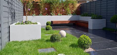 Rendered Garden Walls Bed Garden