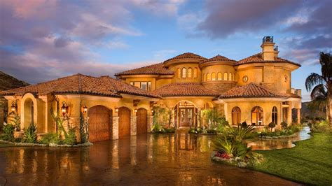 Large Mansions | 10 luxurious celebrity homes with outrageous features