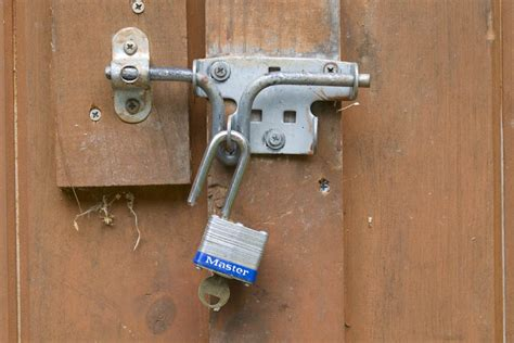 Shed Lock the ultimate diyers guide to home security five security