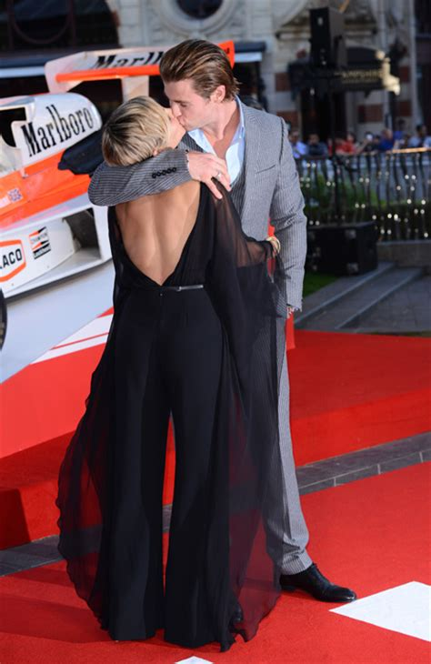film elsa pataky chris hemsworth and elsa pataky share passionate kiss at