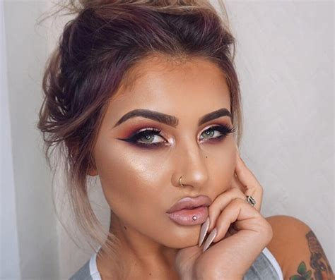 the guide to making instagram makeup trends wearable 13 beauty instagram accounts you need to follow look