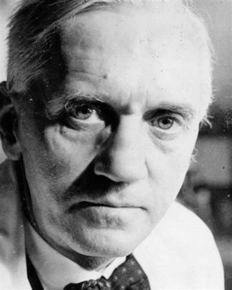 alexander fleming invention of penicillin biography com alexander graham bell father of the telephone biography