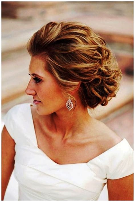 Wedding Hairstyles For Medium Length Hair To The Side by Pretty Style For To Medium Length Hair Of