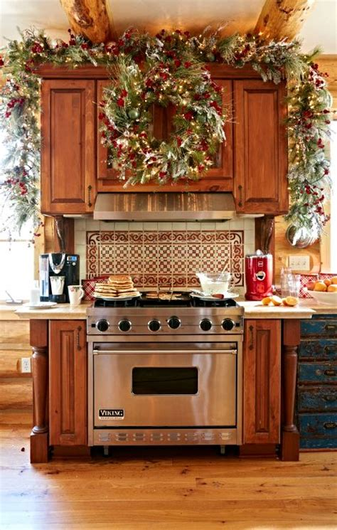 Garland For Above Kitchen Cabinets by 25 Best Ideas About Kitchen On