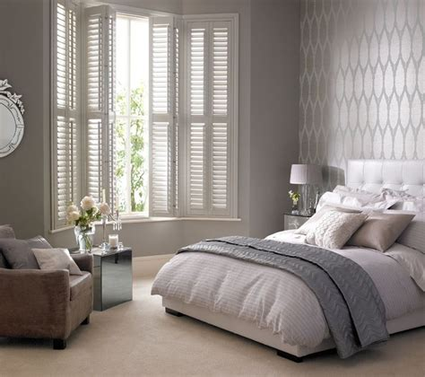 bedroom window blinds 25 great ideas about bay window bedroom on