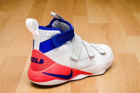 Sepatu Basket Lebron Soldier 11 Yellow Blue gris nike lebron soldier 11