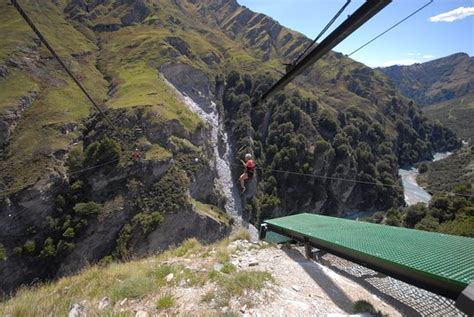 shotover canyon swing new zealand shotover canyon swing canyon fox queenstown new
