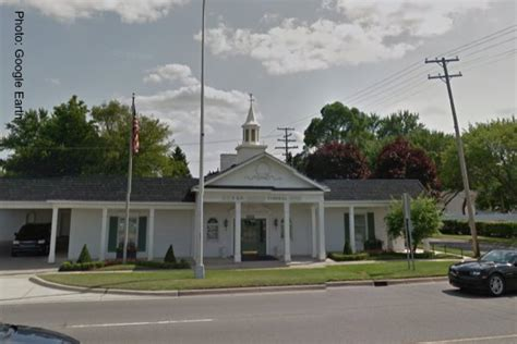 federal judge backs detroit funeral home in firing of