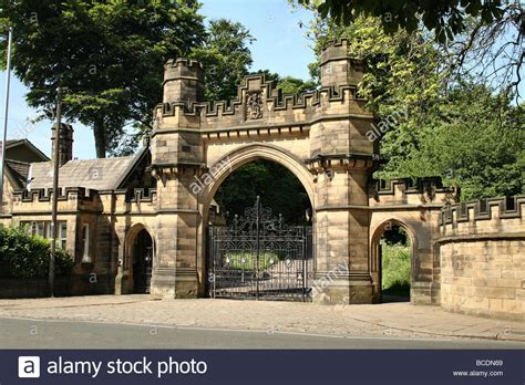 gate house gate and gatehouse at cliffe castle keighley bradford yorkshire stock photo royalty