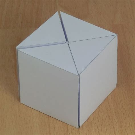 Paper Cubes - paper five pyramids that form a cube