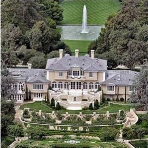 famous homes oprah s 85 million dollar home mansions pinterest
