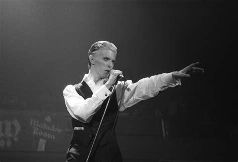 David The Unseen david bowie superb unseen photograph live 1976 catawiki