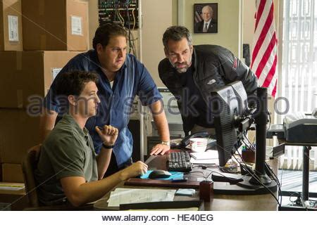 war dogs release date jonah hill and teller on set filming arms and dudes