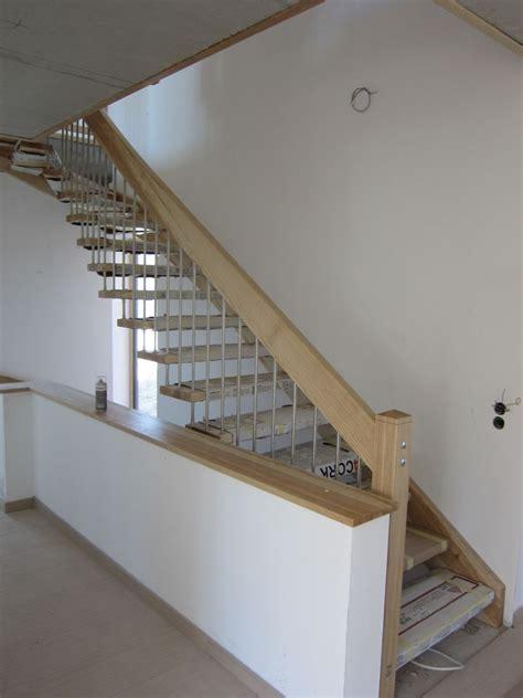 Handlauf Treppe by Schreinerei Wei 223 Martinsh 246 He1 92277 Hohenburg