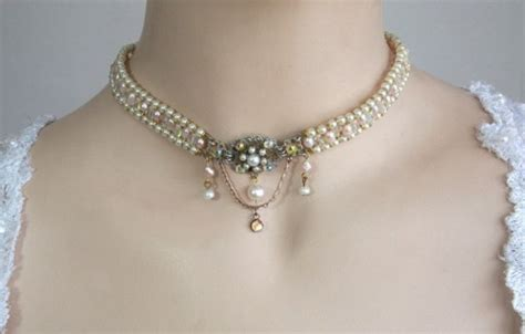 6 tren dan jenis perhiasan kalung yang cocok untuk anda