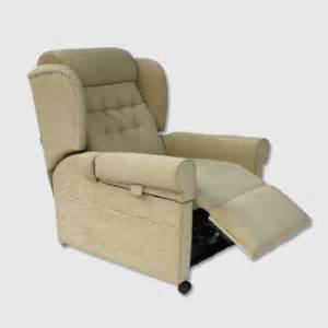 Clearance Recliner Chairs by Clearance Riser Recliner Chairs